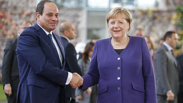 Egypt's Sisi with German Chancellor Angela Merkel