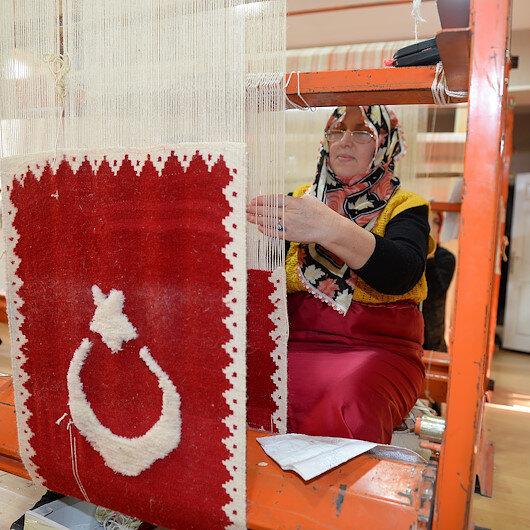 """نساء """"إيغدير"""" التركية يبدعن سجادات ثلاثية الأبعاد"""