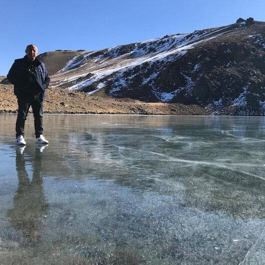 Şırnak'ta sıcaklık eksi 17'yi gördü: Göller buz pistine dönüştü