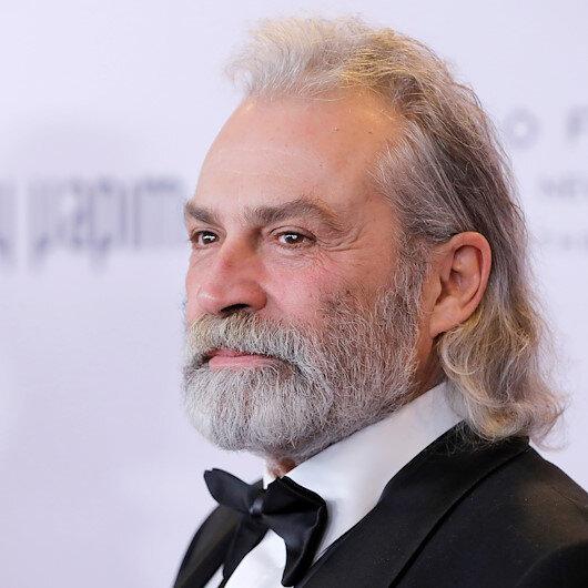 Haluk Bilginer Emmyde en iyi erkek oyuncu seçildi