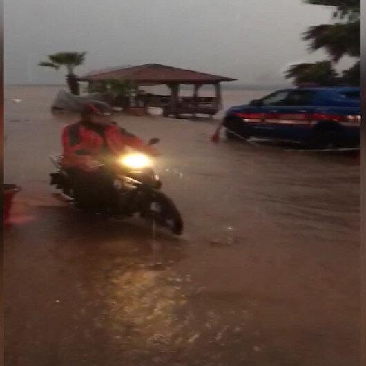Marmariste yağış ve fırtına hayatı olumsuz etkiledi
