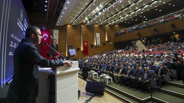 Mehmet Muharrem Kasapoğlu, Bakanlık merkez binada düzenlenen törende açıklamalarda bulundu.