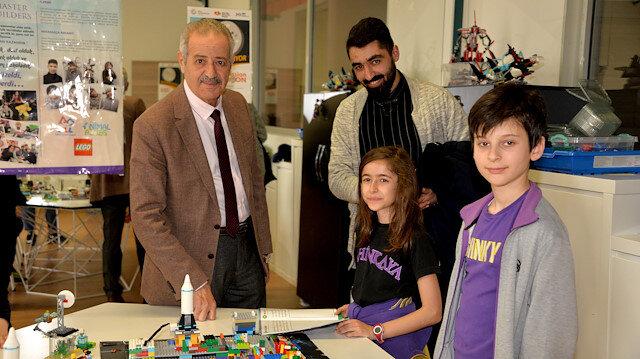 Muhammed Ahmed Faris (L)