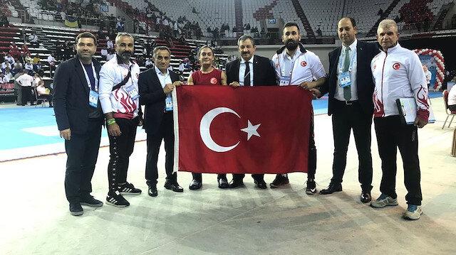 Dünya Kick Boks Şampiyonası'nda çifte gurur