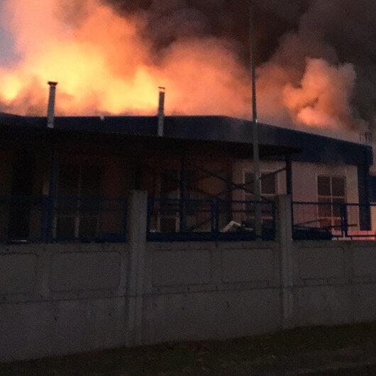 Düzce'de fabrika yangını: İki ilden itfaiye ekipleri destek veriyor