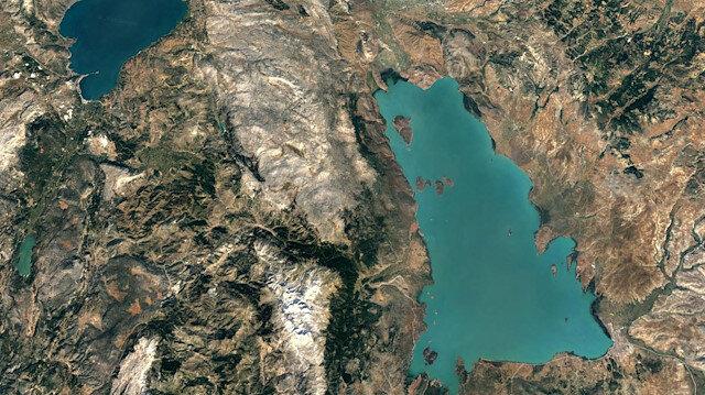 Beyşehir Gölü'nde korkutan görüntü: Derinlik 26 metreden 5.5 metreye düştü