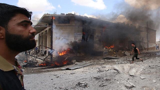 Esed, İdlib'i yine kan gölüne çevirdi: Pazar yerine hava saldırısında 14 sivil yaşamını yitirdi