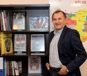 Nevruz Şerif kariyerinde Fenerbahçe forması da giymişti.