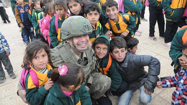 Tel Abyad'da teröristlerin tahrip ettiği okul onarılarak eğitime açıldı