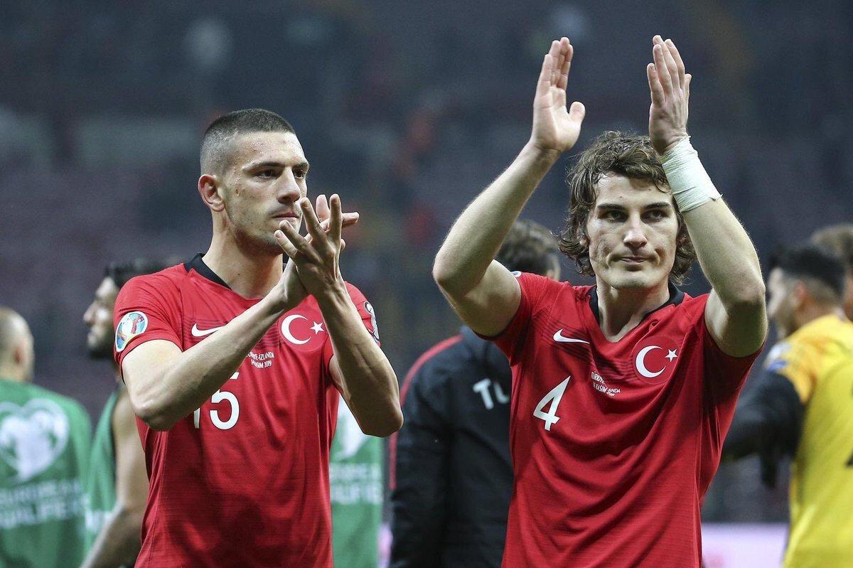 Merih ve Çağlar'ın Milli Takım'daki performansları büyük alkış aldı.
