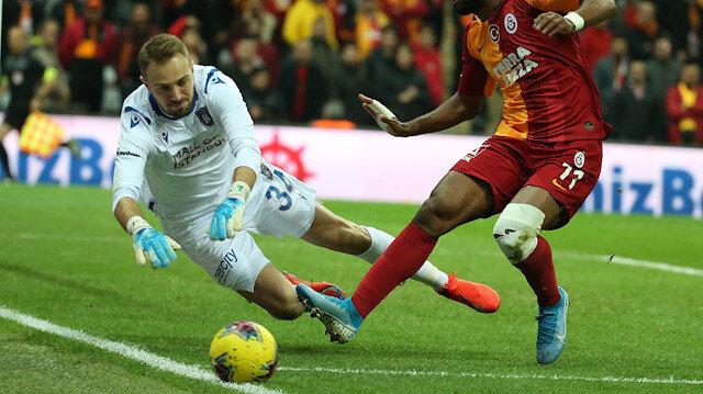 Başakşehir'in milli eldiveni Mert Günok, ligde son iki maçta kalesini gole kapattı.
