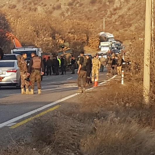 Tunceli'de operasyondan dönen askerleri taşıyan zırhlı araç devrildi: 13 asker yaralandı