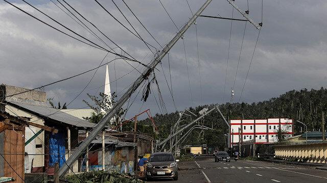 Güneye doğru ilerliyor: Kammuri Tayfunu sellere ve elektrik kesintilerine yol açtı