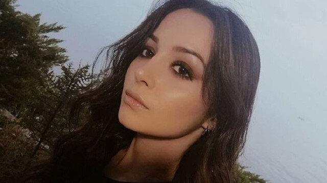Evinin önünde bıçaklanan genç kız tüm müdahalelere rağmen kurtarılamadı: Bıçak kalbini ikiye bölmüş
