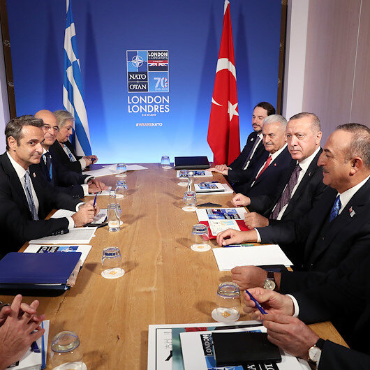 وسط توترات.. أردوغان يلتقي رئيس الوزراء اليوناني على هامش قمة الناتو