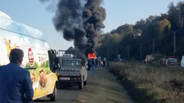Rize'de seyir halindeki yolcu otobüsü alev alev yandı