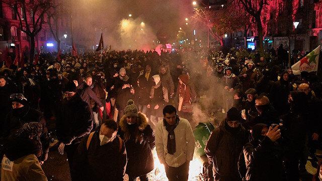 Fransa'da grev eylemlerine yarım milyon kişi katıldı