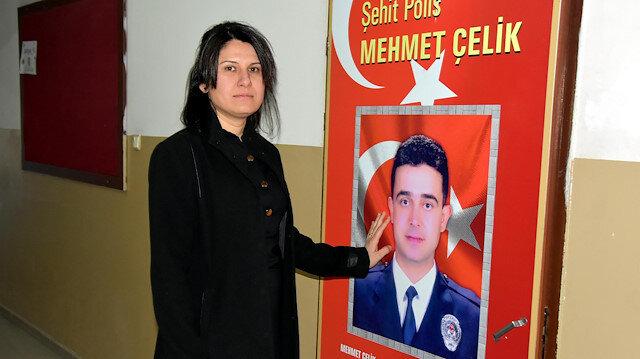 İzmir'de şehit eşinin adını taşıyan okulda görev yapıyor