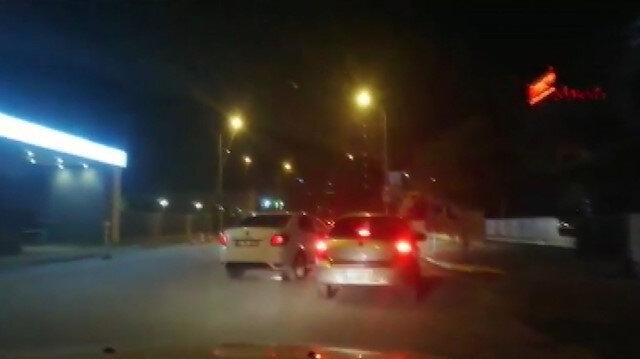 Film gibi operasyon: Polis silah satıcısının önünü kesti