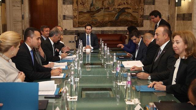 تشاووش أوغلو يلتقي نظيره الإيطالي في روما