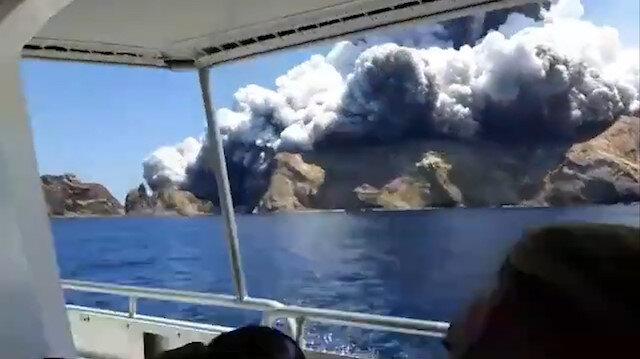 Yeni Zelanda'da Whakaari Yanardağı patladı