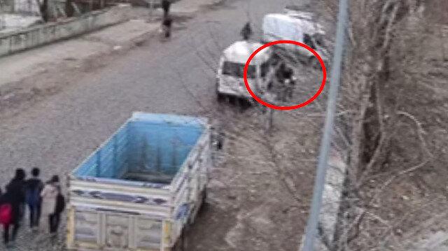 Kars'ta liseli kız öğrenciyi herkesin gözü önünde kaçırdılar