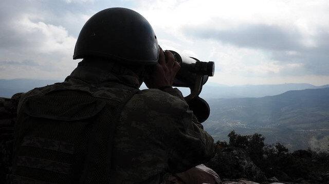 Terör örgütü PKK'dan kaçışlar devam ediyor: 2 terörist daha teslim oldu