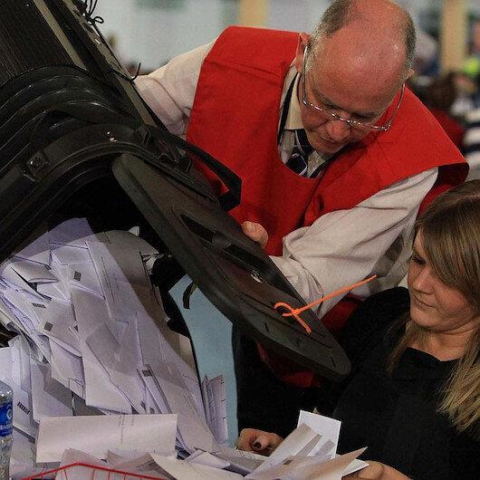 4 yıl içinde üçüncü seçim: İngiltere erken seçim için sandık başında