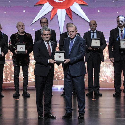 President Erdoğan honors culture, art award winners
