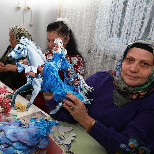 """تدوير النفايات على أيدي نساء """"آرتفين"""" بتركيا"""