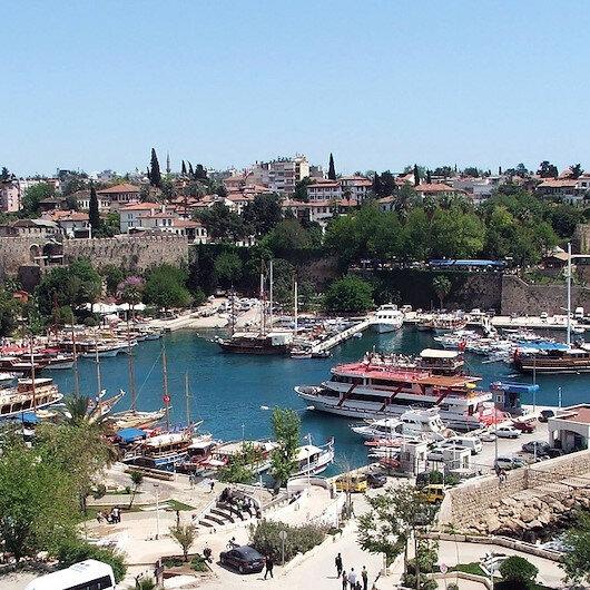 وزير تركي: أنطاليا تستضيف المؤتمر الـ22 لحماية سواحل المتوسط