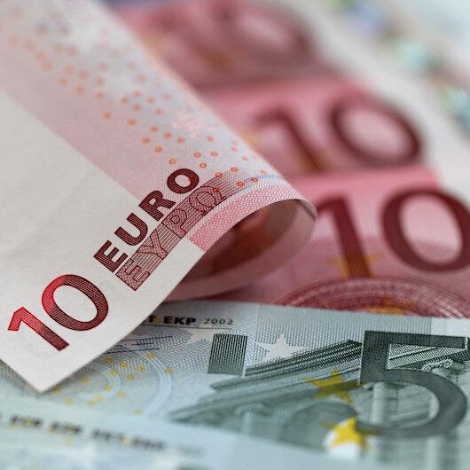 Fransa'da asgari ücrete 15 avro zam yapıldı