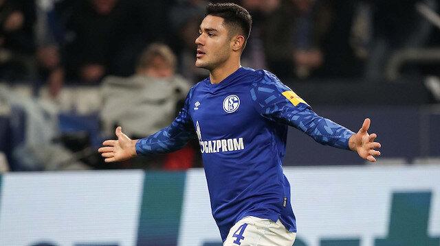 19 yaşındaki Ozan Kabak, Schalke 04'te çıktığı 12 lig maçında 3 gol atarken 1 de asist kaydetti.