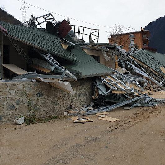 Saat 6'da başladı: Uzungöl'de kaçak binalar yıkılıyor