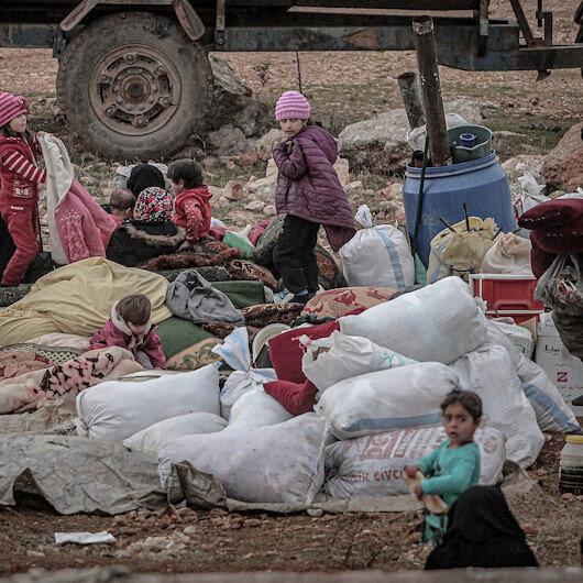 İdlibliler bu soğukta evlerinden oldu: Rejim, Rusya ve İran'ın desteğiyle İdlib'de 40 yerleşimi ele geçirdi