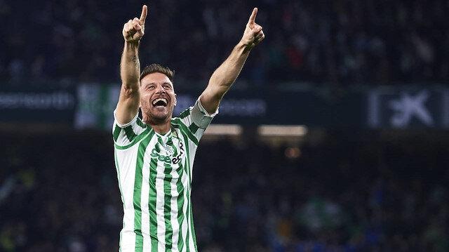 Futbolu bırakmaya niyeti yok: 38 yaşındaki Joaquin yeni sözleşme imzaladı