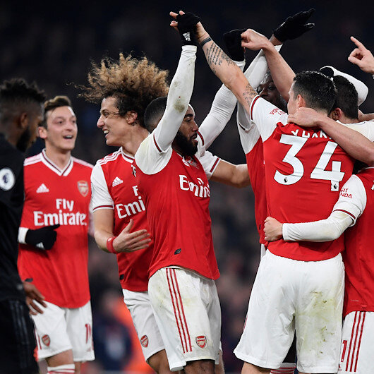 Arsenal beat ManU for first win under new manager