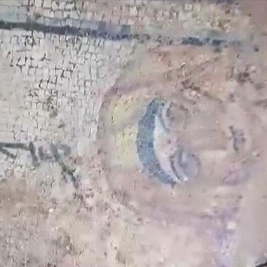 تركيا.. العثور على لوحة فسيفساء تعود إلى القرن الرابع