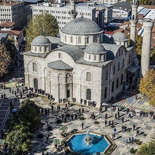 """رغم مرور الزمن.. جامع """"تزه"""" التاريخي بتركيا تراث متجدد"""