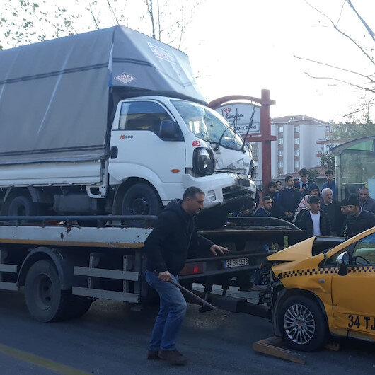 İstanbul Güngören'de tramvay seferlerini aksatan kaza