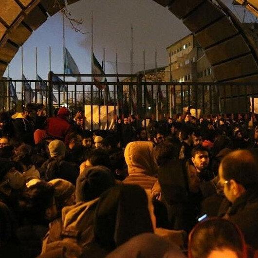 İran'dan İngiltere'ye uyarı: Büyükelçiliği kapatma sinyali