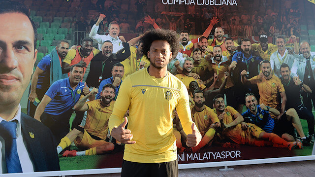 Mina'nın Yeni Malatyaspor'la sözleşmesi sezon sonunda bitiyor.
