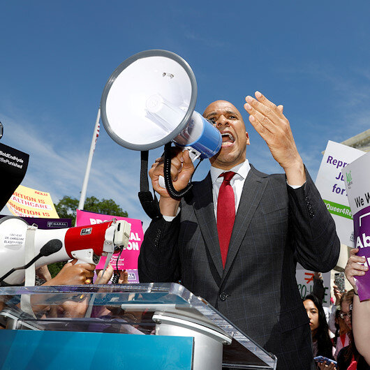 US Sen Cory Booker drops out of 2020 presidential race