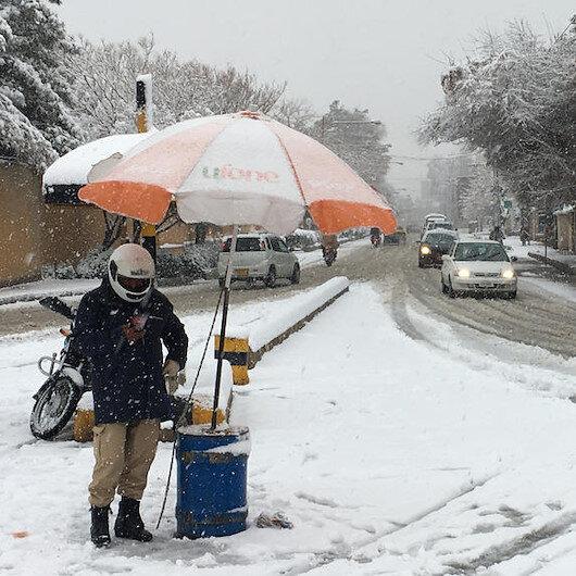 Pakistan'da yoğun kar yağışı nedeniyle hayatını kaybedenlerin sayısı 57'e yükseldi