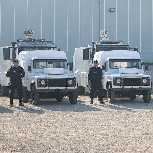 تركيا تقدم مركبات ومعدات للشرطة الألبانية