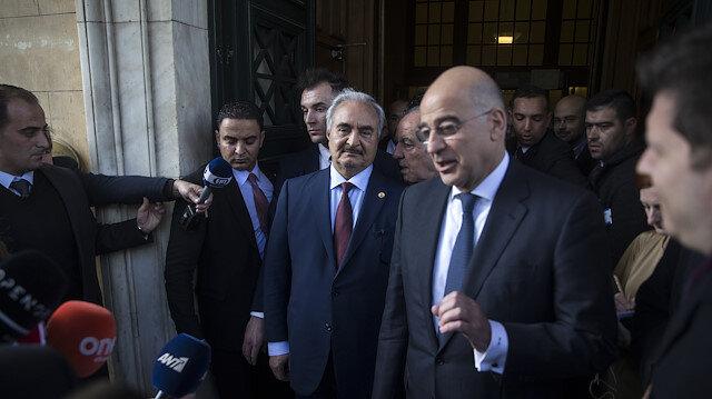 رئيس الوزراء اليوناني يلتقي حفتر في أثينا