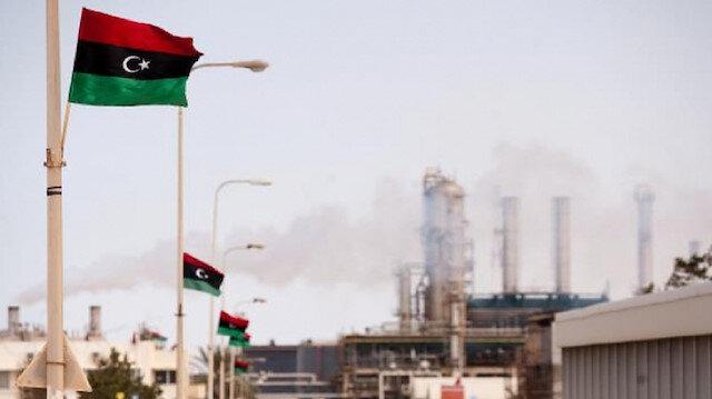 النفط الليبية تحذر حفتر من إغلاق حقول وموانيء النفط