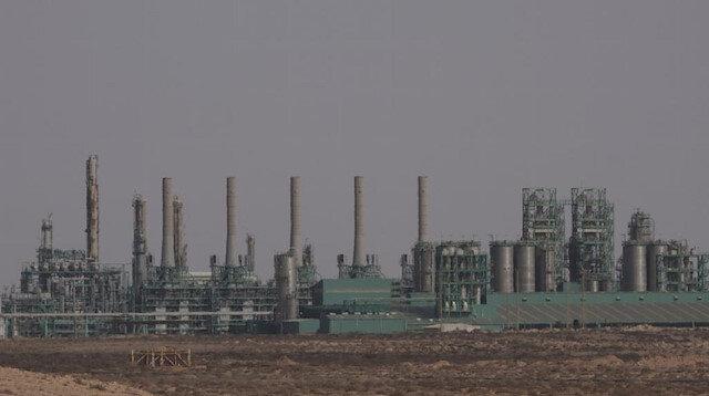 مؤيدون لحفتر يغلقون ميناء الزويتينة النفطي شرقي ليبيا