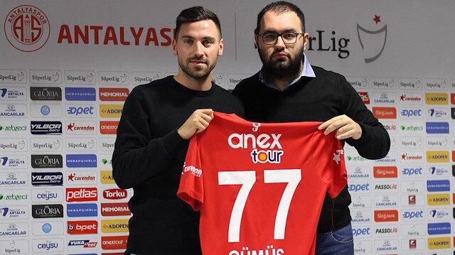 Sinan Gümüş Antalyaspor'la sözleşme imzaladı