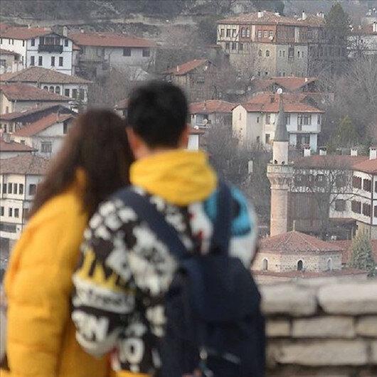 """""""صفران بولو"""" و""""أماسرا"""".. جواهر تركية تتلألأ بعطلة نصف العام"""